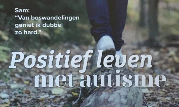 cover van het tijdschrift Dialoog van VFG (maart-nummer 2019) - wandelaar op een bospad